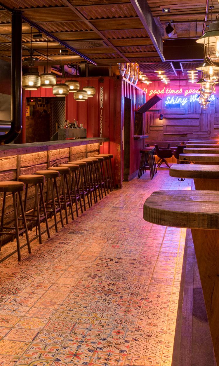 qmuh ulm burgergrill steakhouse bar burgergrill ulm. Black Bedroom Furniture Sets. Home Design Ideas